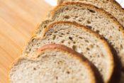 【低糖質?健康的?ローソンで人気のふすま(ブラン)パン、原材料は添加物のオンパレード】